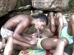 Today we have three good-looking black gay men having a nice threesome by the beach. These guys are buffed and they just love strutting those rock-hard muscles at the beach. You`ll find these guys hooking up and having a nice three-way bareback anal outdo